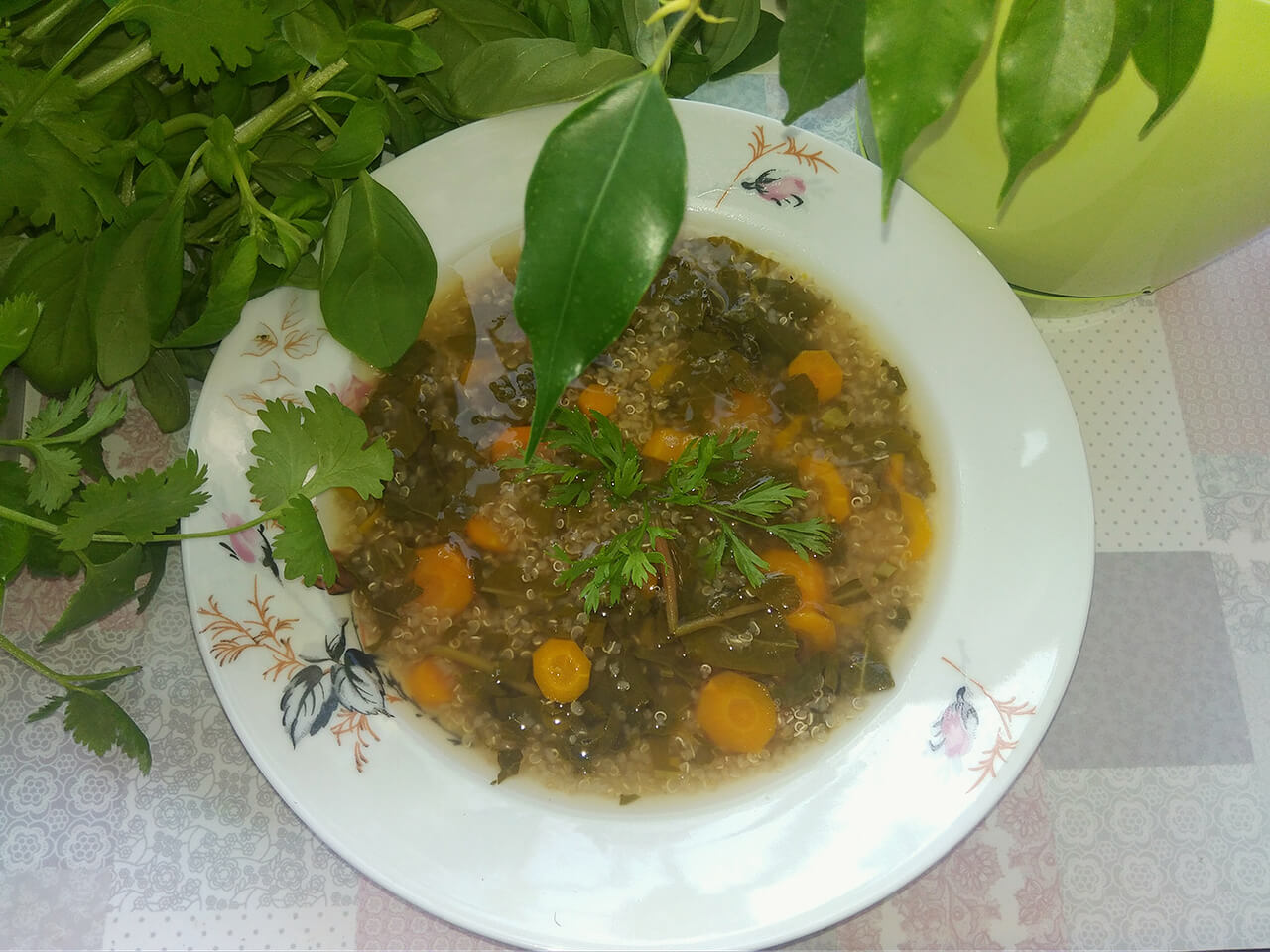 domowa-zupa-jarzynowa-z-komosa-ryzowa