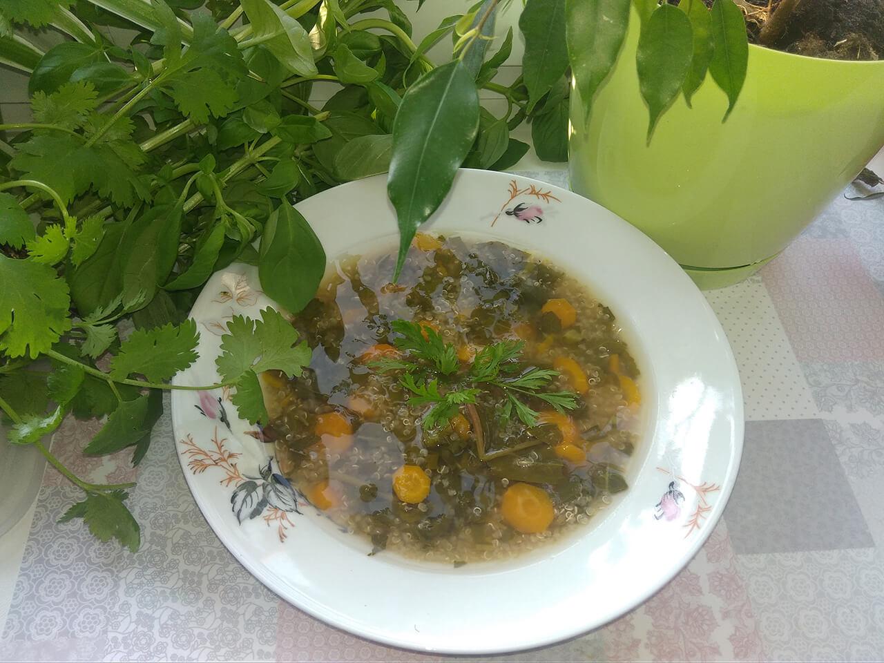 domowa-zupa-jarzynowa-z-komosa