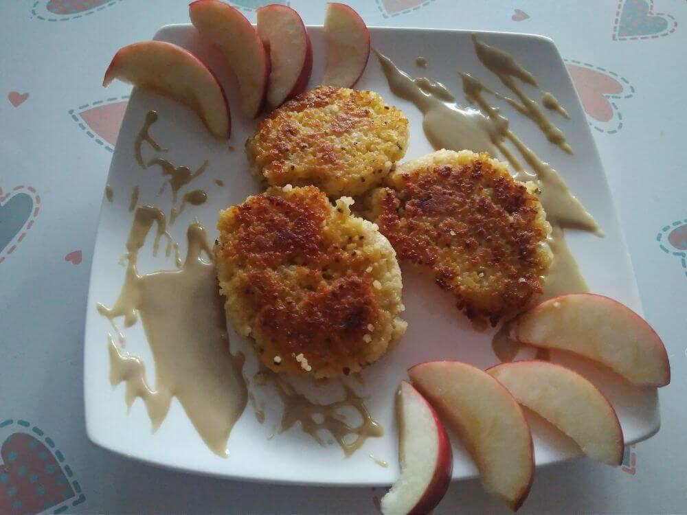 placuszki-z-kuskus-maslem-sezamowym-1